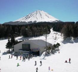 Cuaca bagus di Fujiten ski resort Jepang