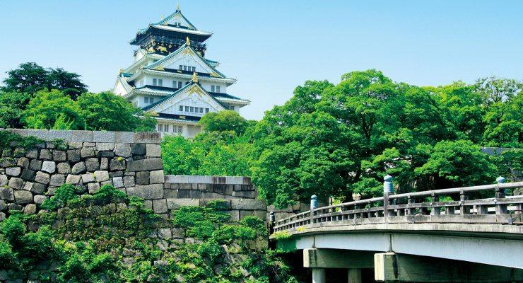 Tour travel Istana Osaka Jepang