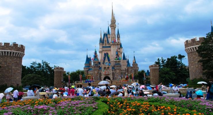 Traveling Keluarga ke Tokyo Disneyland Jepang